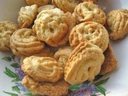 Помещаем печенье на противень