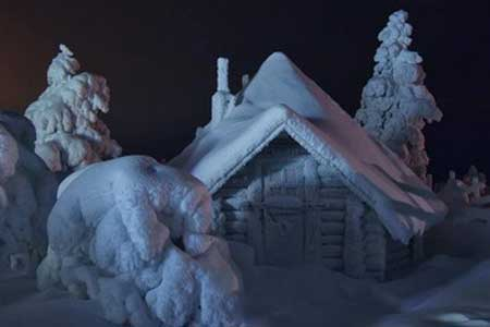 Избушка в снегу