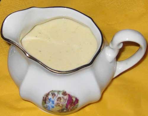 Как приготовить молочный белый соус