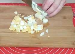Печеные пирожки с яйцом и зеленым луком