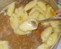 Суп с курицей и клецками