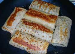 Блинчики с мясом и сыром
