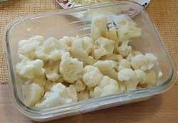 Цветная капуста, запеченная в духовке с сыром