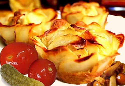 Картошка, запеченная в духовке вместе с курицей и грибами.