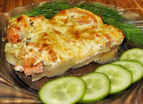 Картошка с рыбой в молоке.