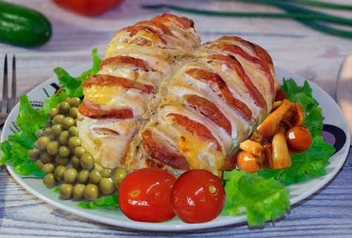 Картошка, запеченная вместе с курицей