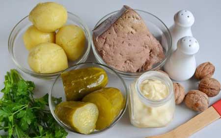 Ингредиенты для салата из говяжьей печени.