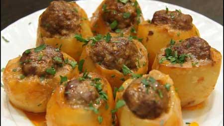 Картофельные мешочки, фаршированные мясом