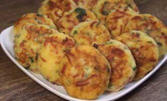 Картофельные деруны с колбасой