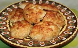 Котлеты на блюде из куриной грудки